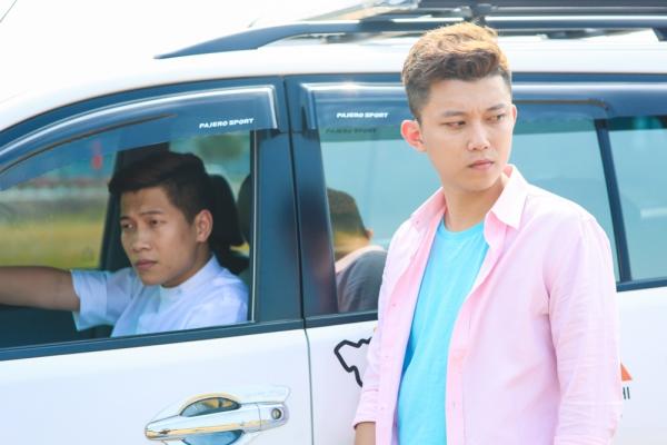 Sống đúng chất là một sáng tác mới của nhạc sĩ Dương Khắc Linh cũng là một trong bốn giám khảo của X-Factor. Từng có dịp đồng hành cùng nhau trong cuộc thi và nhiều sản phẩm khác, OPlus may mắn luôn nhận được sự hỗ trợ hết mình từ Dương Khắc Linh trong những dự án âm nhạc của nhóm.