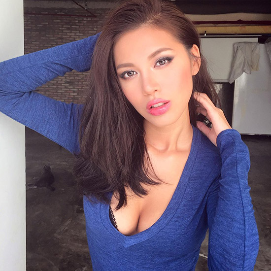 từng đoạt giải phong cách tại cuộc thi Siêu mẫu Việt Nam 2011. Năm 2013, người đẹp quay trở lại cuộc thi và đã thể hiện những bứt phá lớn khi giành được giải bạc.