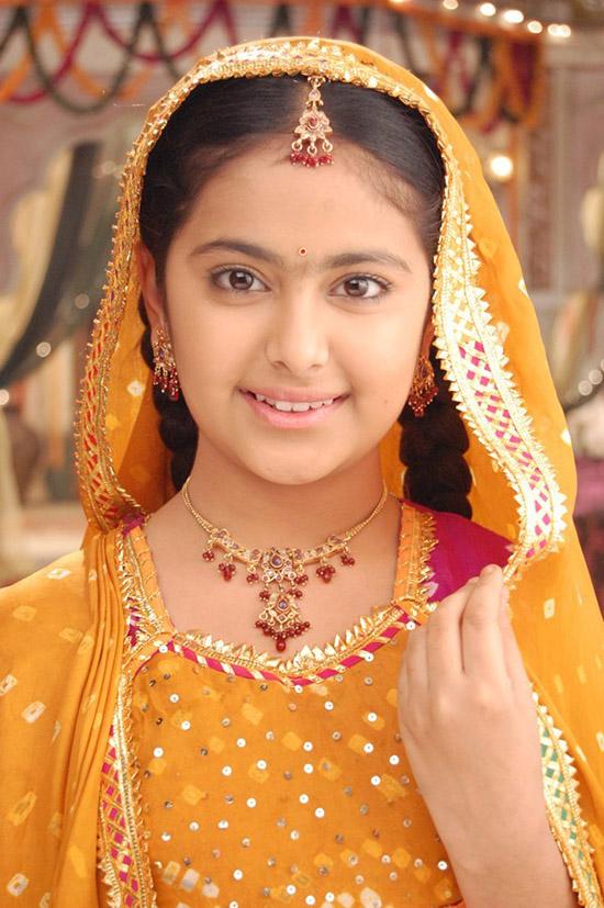 Cô dâu 8 tuổi (tiếng Hindi: Balika Vadhu  Kachchi Umar Ke Pakke Risht, tạm dịch: Cô dâu trẻ con  Mối quan hệ của lứa tuổi nhỏ) là một bộ phim truyền hình Ấn Độ, được phát sóng lần đầu vào ngày 21 tháng 7, 2008 trên kênh Colors TV.