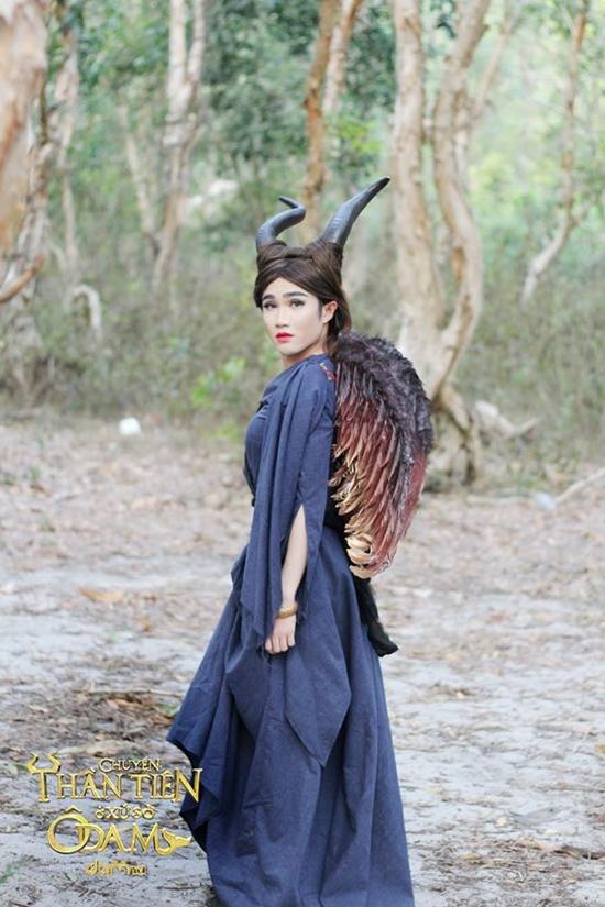 ần đây nhất, trong series sitcom Chuyện thần tiên ở xứ sở Ô Dâm, vai diễn bà tiên Maleficent của Huỳnh Lập Lờ đã gây ấn tượng mạnh với khán giả. Bên cạnh khả năng diễn xuất, Huỳnh Lập Lờ cũng đang là đạo diễn trẻ đầy triển vọng của các sân khấu miền Nam.