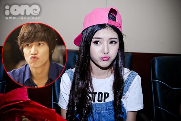 Trước câu hỏi nếu được chọn phẫu thuật giống như sao Hàn, cô nàng lập tức chọn ngay Lee Min Ho và còn làm biểu cảm chu môi hệt chàng Kim Tan.