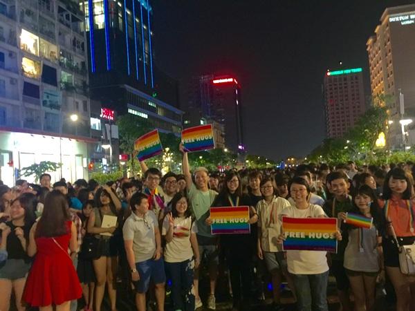Nhiều bạn cho biết, sở dĩ sự kiện Mỹ hợp pháp hóa hôn nhân đồng tính khiến đông đảo LGBT Việt vui mừng là bởi