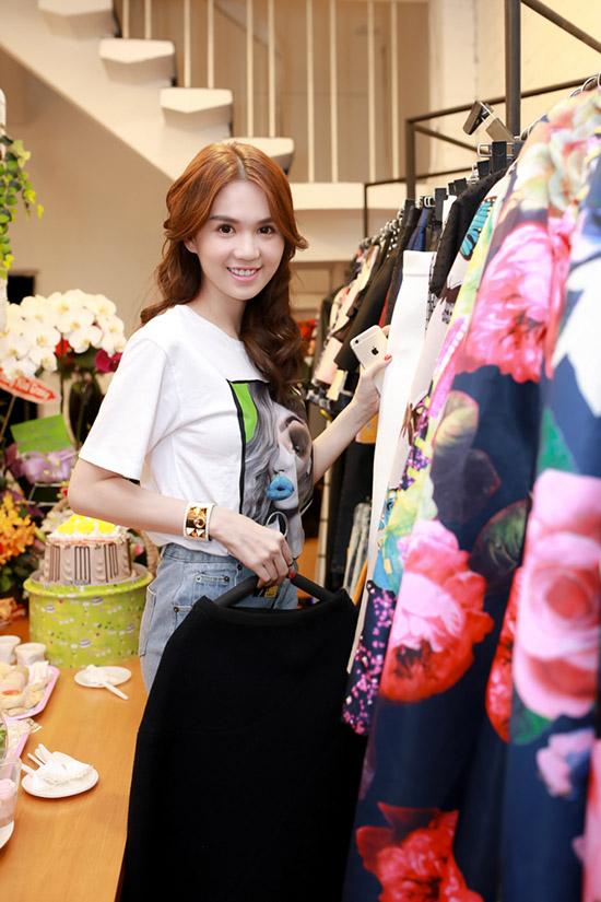 ngoc-trinh-xuong-sac-3-5479-1435718769.j
