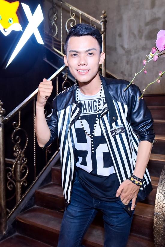 Thái Sơn của Giọng hát Việt 2015 cũng hào hứng tham gia chương trình.