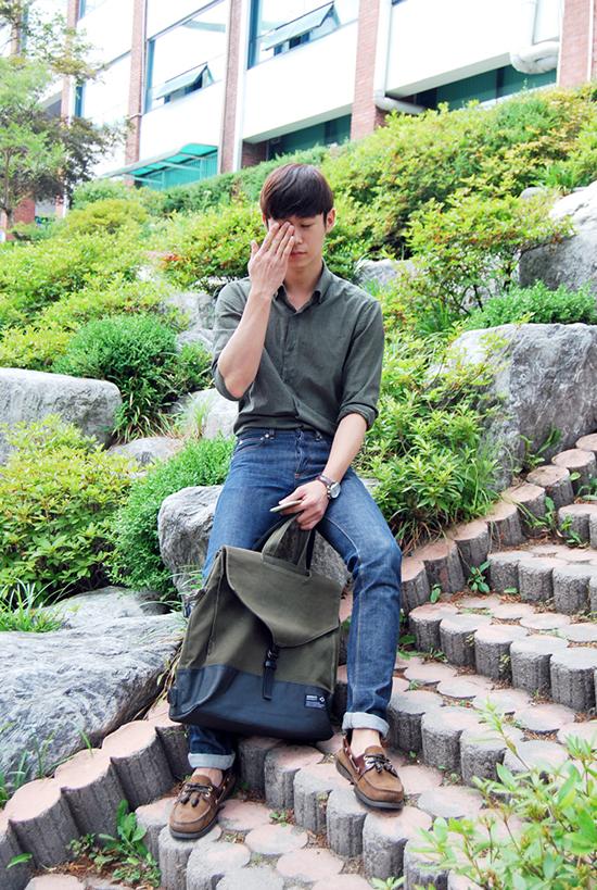 do-den-truong-cua-nam-sinh-han-9708-8283