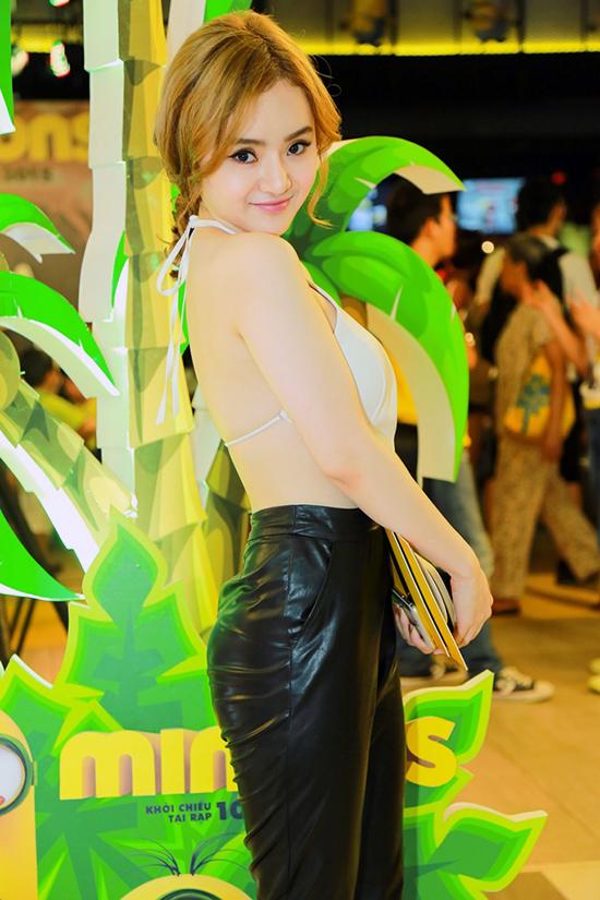em-gai-phuong-trinh-mi-van-21-3227-8690-