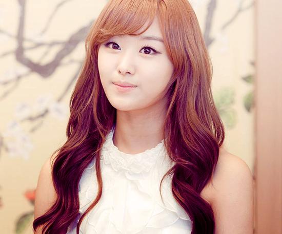 Song-Jieun-song-jieun-34376954-3317-8496