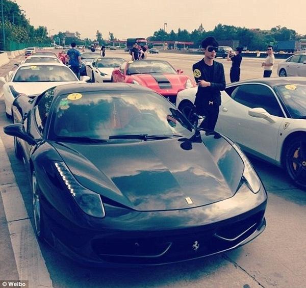 Trên các trang mạng của Trung Quốc như Weibo, các hội con nhà giàu