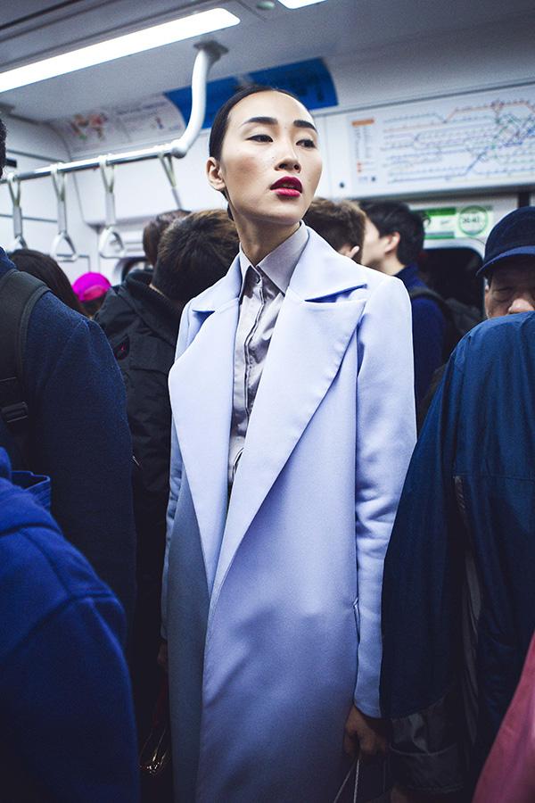 Hiện Trang Khiếu đang ráo riết chuẩn bị cho mùa fashion cuối năm. Cô được lời mời từ một số Agency ở Singapose và Hongkong. Trang đang cân nhắc việc sẽ chinh chiến những thị trường mới và đánh vào mảng Châu Á tiềm năng hay tiếp tục theo guồng quay cũ là trở về Ý làm việc.