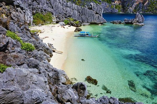 Palawan, Philippines: Được biết đến như một trong hòn đảo đẹp nhất thế giới, Palawan rất hiếm khi có wifi và thực sự dành cho những ai muốn tận hưởng một cuộc sống không Facebook, Instagram.