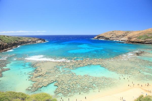 Vịnh Hanauma, Hawaii: Vẻ đẹp tự nhiên nơi đây đủ để bạn quẳng điện thoại ở phòng khách sạn và nô đùa trên bãi cát.