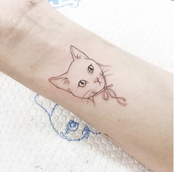 """""""Khuôn mặt đáng thương"""" của mèo cưng."""