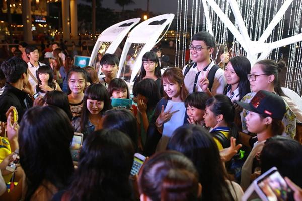 Nhận được sự yêu thích cuồng nhiệt từ khán giả, Chi Pu nhiều lần hogản sợ