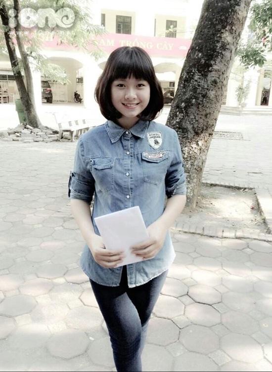 Mình tên là Nguyễn Hải Anh, học sinh lớp 12D2 trường THPT  Quang Trung, Đống Đa Hà Nội.