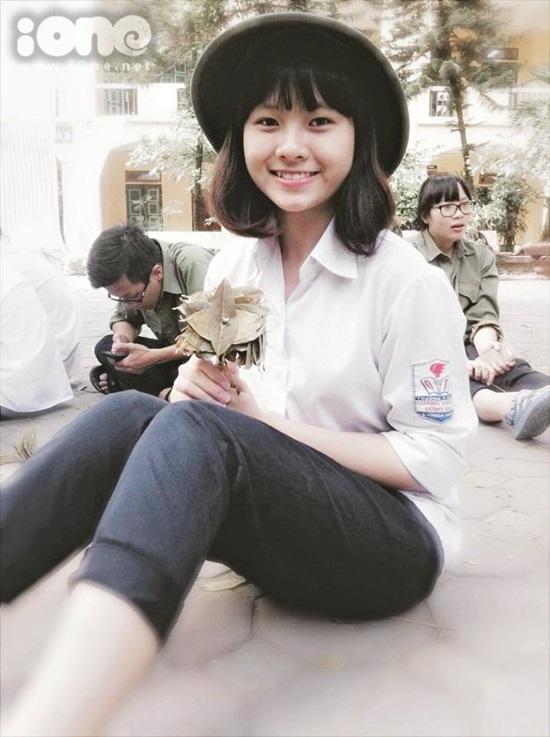 Mình hay tham gia các hoạt động ngoại khóa của trường, lớp. Gần đây nhất, mình giành giải nhất trong cuộc thi người dẫn chương trình và giải ba cuộc thi tìm kiếm tài năng Quang Trung do trường Quang Trung của mình tổ chức.