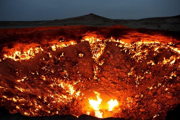 Cánh cửa Địa ngục là tên một mỏ khí thiên nhiên ở Turkmenistan. Thập niên 1970, nơi đây là