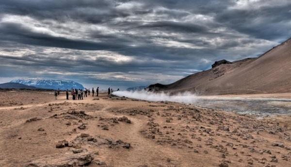 Cổng địa ngục Námaskarð, Iceland. Đây cũng là một địa điểm cực kỳ nóng nhưng lại có cảnh quan tuyệt mỹ. Đây là một trong những khu vực núi lửa hoạt động mạnh nhất ở châu Âu.