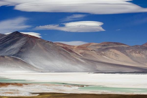 San Pedro de Atacama, Chile là một trong những nơi khô hạn nhất thế giới. Bạn thậm chí có thể kiếm được nước uống bởi không khí nơi đây thường xuyên