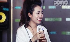 DJ Trang Moon đau khổ vì bị phạt uống nước mắm