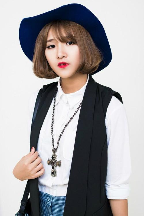 Hin Vũ là gương mặt không còn xa lạ với các tín đồ yêu thời trang, cùng iOne ngó nghiêng tủ đồ của cô nàng này nhé!