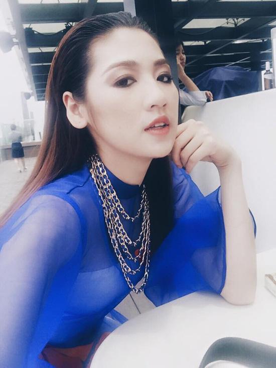 ngoc-trinh-mac-loi-chon-noi-y-3727-6513-