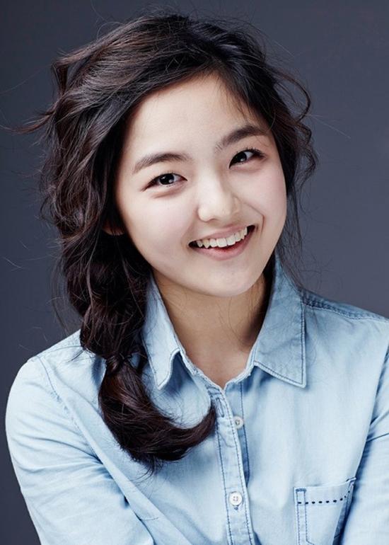 Trong bộ phim Thank You chiếu năm 2007, Suh Shin Ae đã lấy đi không ít nước mắt của khán giả, trở thành một trong những diễn viên nhí có cát-xê cao nhất Kbiz. Nhờ phim High Kick Through The Roof