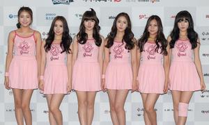 Girlgroup Hàn bị chê mặc đồ diễn xấu hơn đồ thường ngày