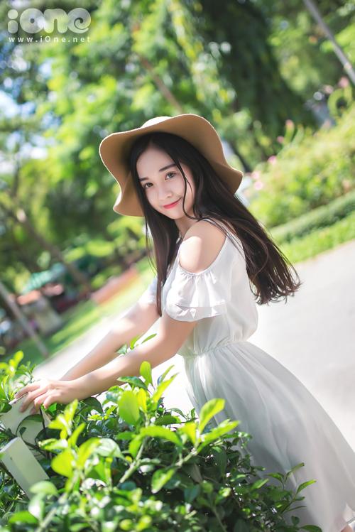 Mình từng tham gia một số cuộc thi và đạt được nhiều thành tích như top 60 hot Vteen toàn quốc, top 20 miss Áo Dài nữ sinh Việt Nam, top 100 toppo girl.