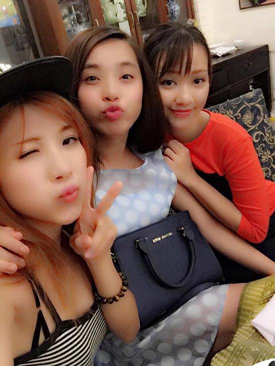 chi-pu-khoe-do-hieu-huong-gian-9427-3911