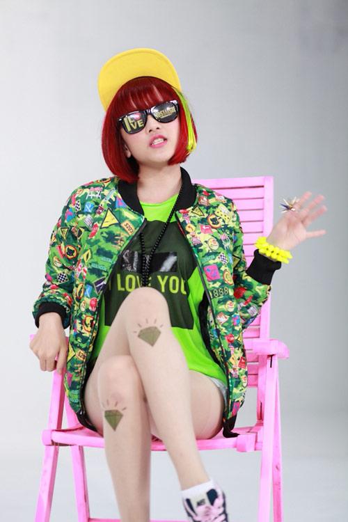 Thiều Bảo Trâm là ca sĩ có gu thời trang cá tính, cô nàng cũng thường xuyên F5 hình ảnh của mình bằng việc thay đổi kiểu tóc.