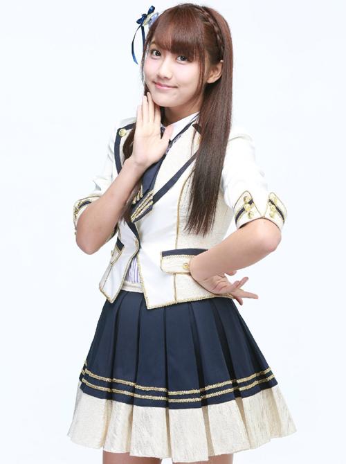 Các fan của Nghệ Đồng cho biết họ yêu mến tính cách đáng yêu, vui vẻ hài hước của cô nàng. Vốn là một thành viên thay thế, ca hát và vũ đạo chỉ thường thường nhưng độ nổi tiếng của Lý Nghệ Đồng lại tăng rất nhanh.