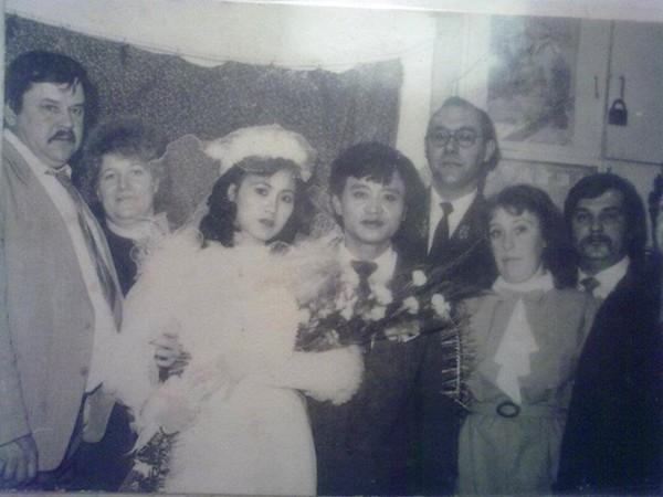 Đám cưới của bố mẹ bạn Vũ Kiều Oanh có nhiều khách nước ngoài tham dự.
