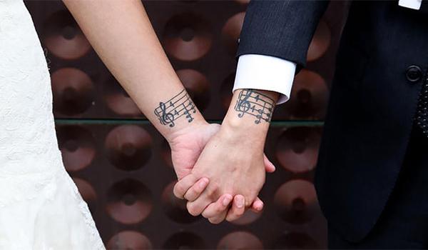 matching-couple-tattoos-671-605.jpg