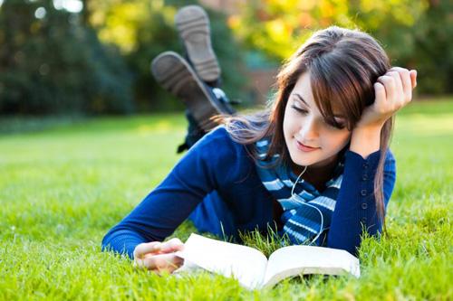 164666-849x565-woman-reading-b-3409-1205