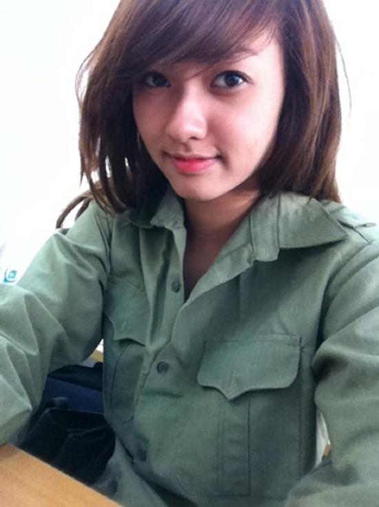 hot-girl-Viet-hoc-quan-su-13.jpg