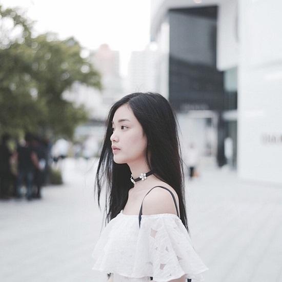 Tài năng và nhan sắc của Pang luôn giúp cô nổi bật ở bất cứ đâu. Không những thế, nàng hot girl 9x còn luôn biết tận dụng tối đa cách ăn mặc cuốn hút để níu mắt nhìn.