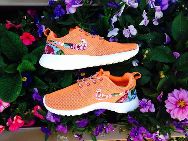 Nike-Roshe-Runs-Custom-Floral-6820-9327-