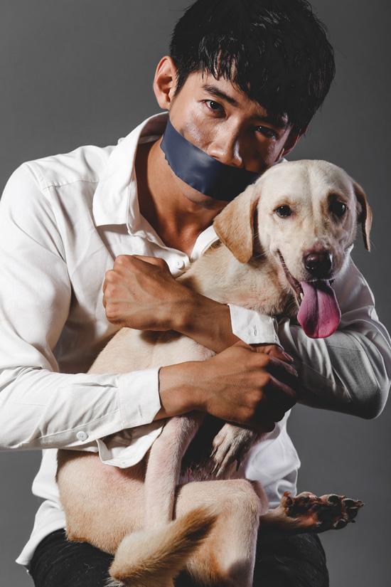 Quang Đăng chia sẻ: Tôi là môt người yêu chó và hiểu được sự gắn bó, quý mến giữa bản thân và con vật mà mình nuôi.. Khi nhìn thấy chú chó chịu đựng nhiều nỗi đau vì hành động tàn ác từ con người, tôi thật sự bất bình. Xét ở góc độ lòng nhân đạo của con người, bất kỳ một loài vật nào tồn tại trên trái đất này đều có sự nhận thức, đặc tính riêng và thế giới tình cảm riêng. Tất cả đáng được trân trọng như nhau khi chúng ta cùng chung sống trên Trái Đất này.