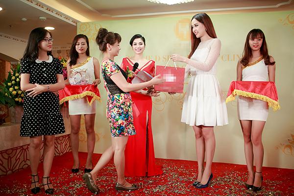 mai-phuong-thuy-tai-xuat-showb-7831-4884