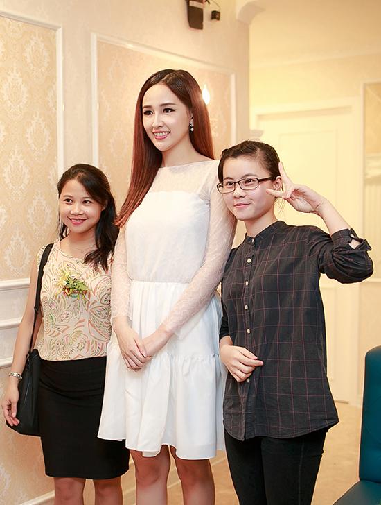 mai-phuong-thuy-tai-xuat-showb-8562-6015