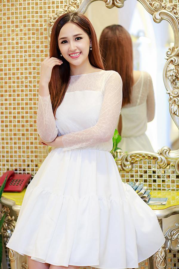 mai-phuong-thuy-tai-xuat-showb-9235-6930