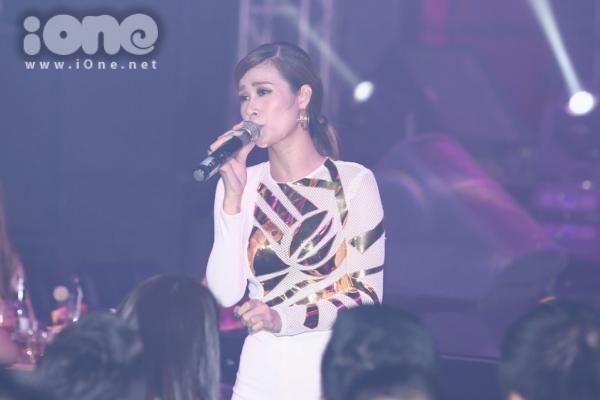 Nữ ca sĩ ngày một chứng tỏ giọng hát trưởng thành của mình qua hàng loạt ca khúc ballad