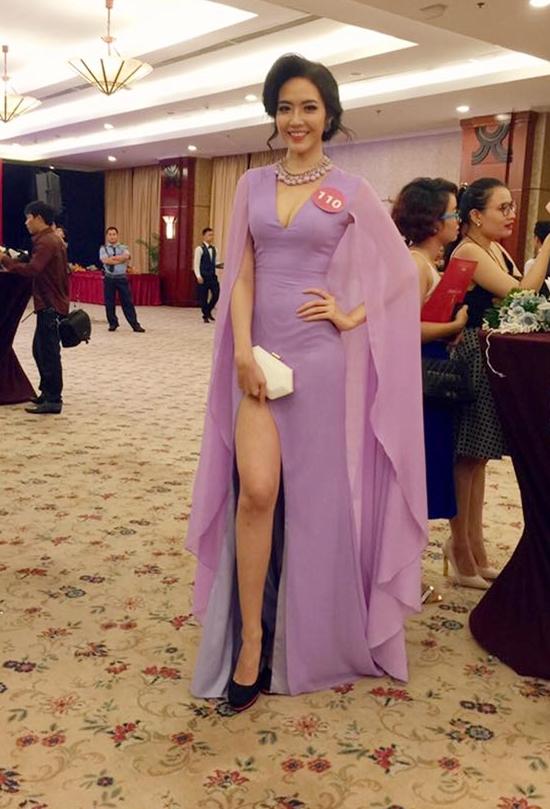 Ngọc Quý tự tin khoe dáng trong vòng sơ khảo Hoa hậu Hoàn vũ 2015. Cô nàng lọt top những ứng viên nổi bật tại khu vực phía Nam tại cuộc thi năm nay.