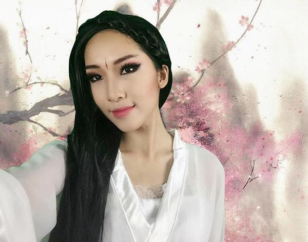 chi-pu-lam-yeu-tinh-emily-hoa-2358-9323-
