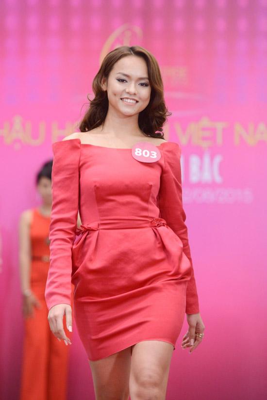 mai-phuong-thuy-lam-giam-khao-1224-6691-