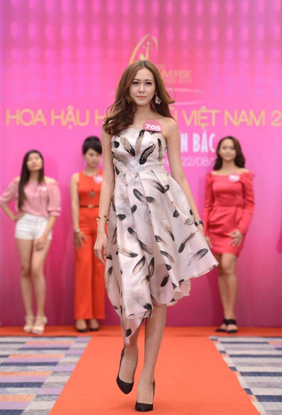 mai-phuong-thuy-lam-giam-khao-2508-2906-