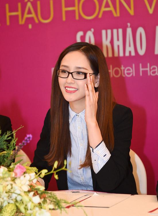 mai-phuong-thuy-lam-giam-khao-7304-3818-