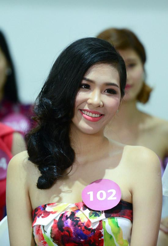 mai-phuong-thuy-lam-giam-khao-8238-6434-