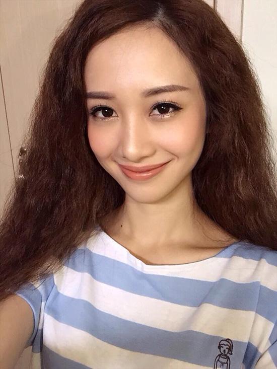 hot-girl-viet-trang-diem-kieu-2300-1171-