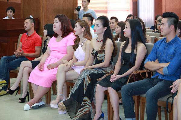 linh-miu-sitcom-tang-18-cong-8-8389-3931